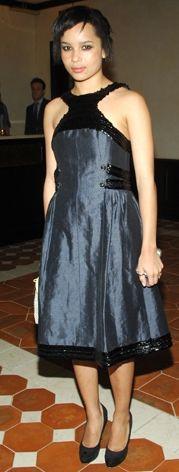 Kim: Zöe Kravitz  Ne Giyiyor: ChanelNerede: New York Greenwich Otel'de, Tribeca Film Festivali'ne katılan sanatçılar adına Chanel'in düzenlediği partide